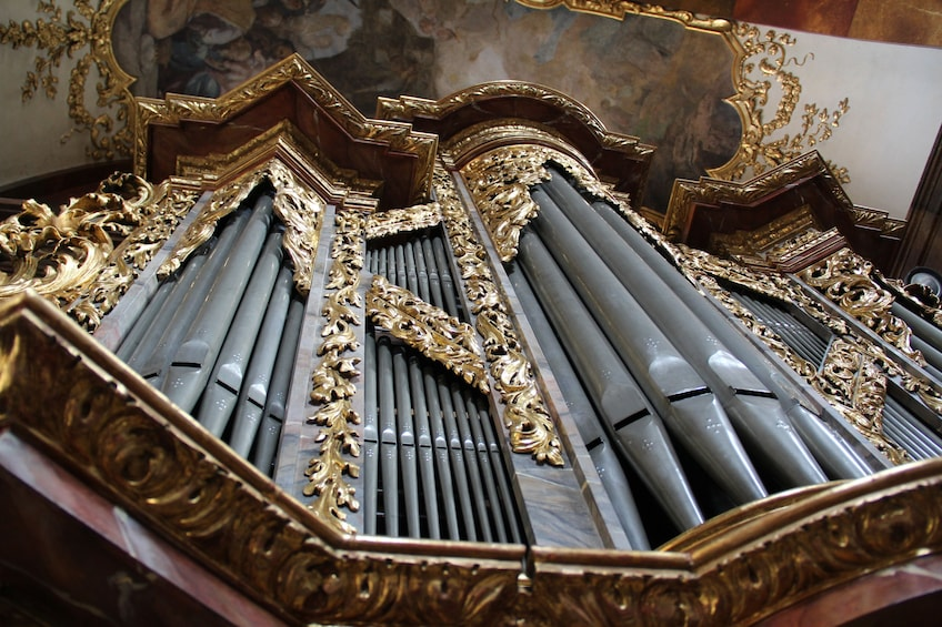 Foto 4 van 8. Famous Organ Concert at St. Francis of Assisi Church
