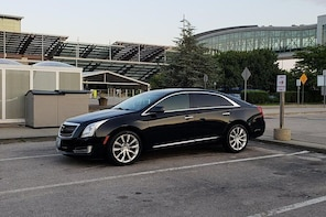Private Chauffeur Transfer: Providence Hotels to Providence Airport (PVD)