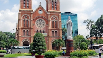 Private Full-Day Ho Chi Minh City & Cu Chi Tunnels Excursion