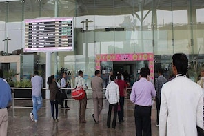 Private Transfer Service from Vadodara Airport to Hotel