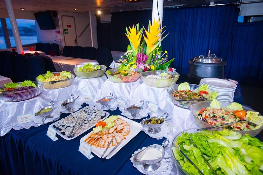 Tampilkan item 5 dari 10. Bali Hai Sunset Dinner Cruise
