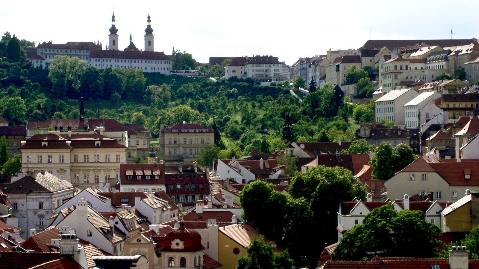The Ultimate Tour of Prague - Tram, Cruise & Lunch