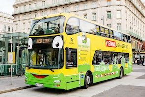 Hop-on Hop-off Bus Tour with Free Walking Tour