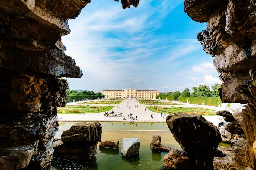 Skip-the-Line Entry Schönbrunn Palace & City Tour