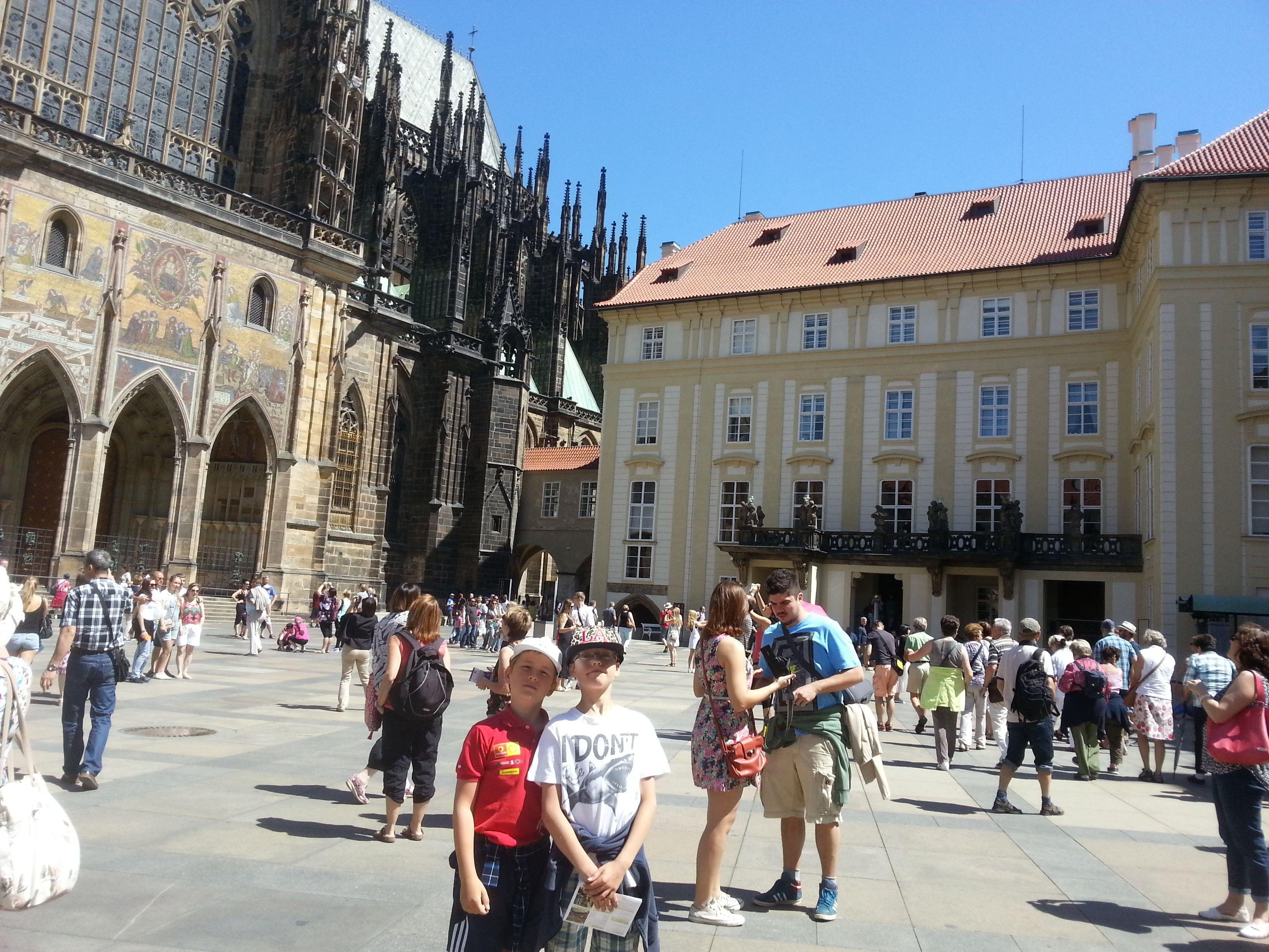 Stadtführung durch Prag und Bootsfahrt mit Erfrischung
