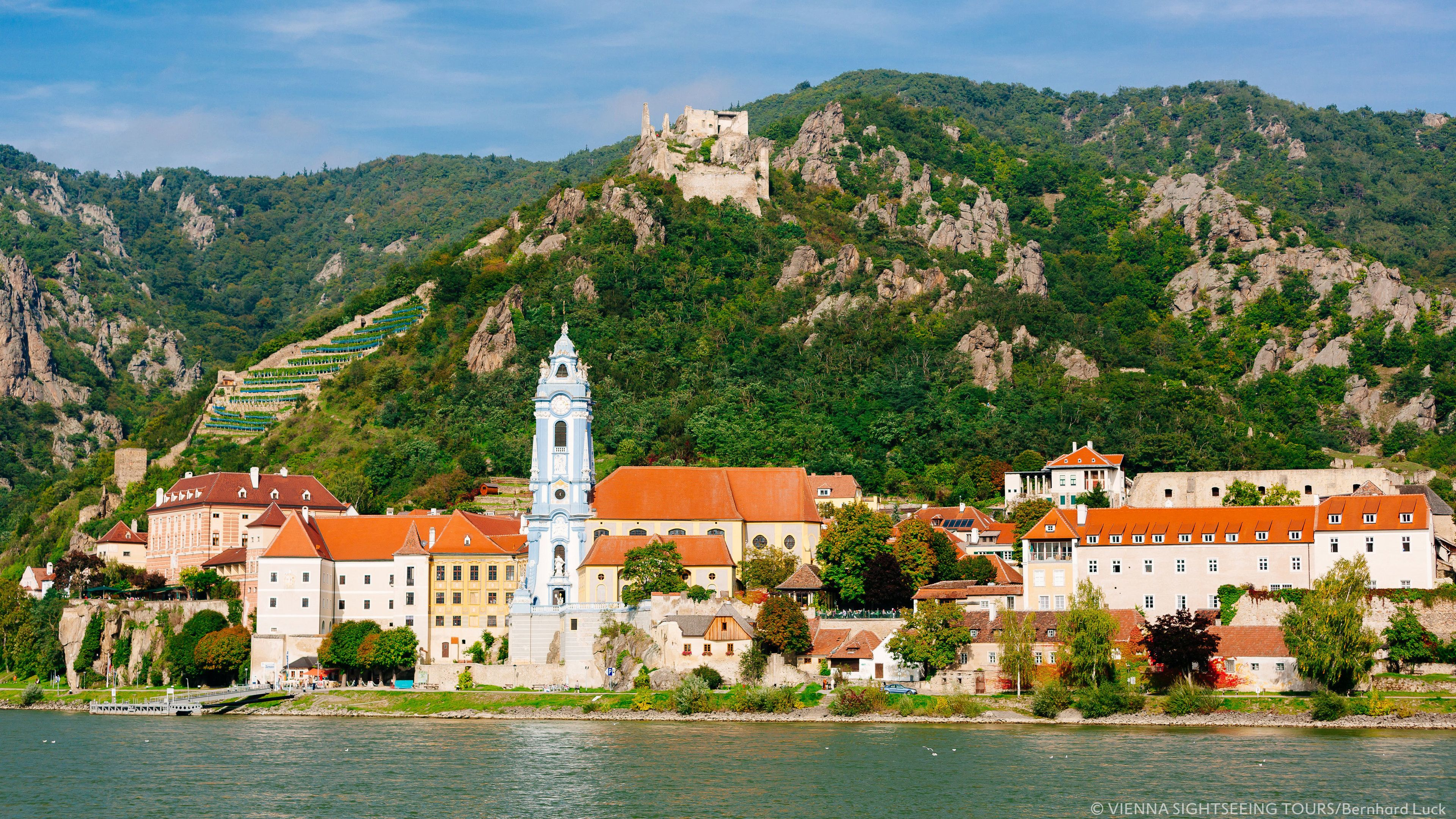 Day Trip to Danube Valley incl. boat ride