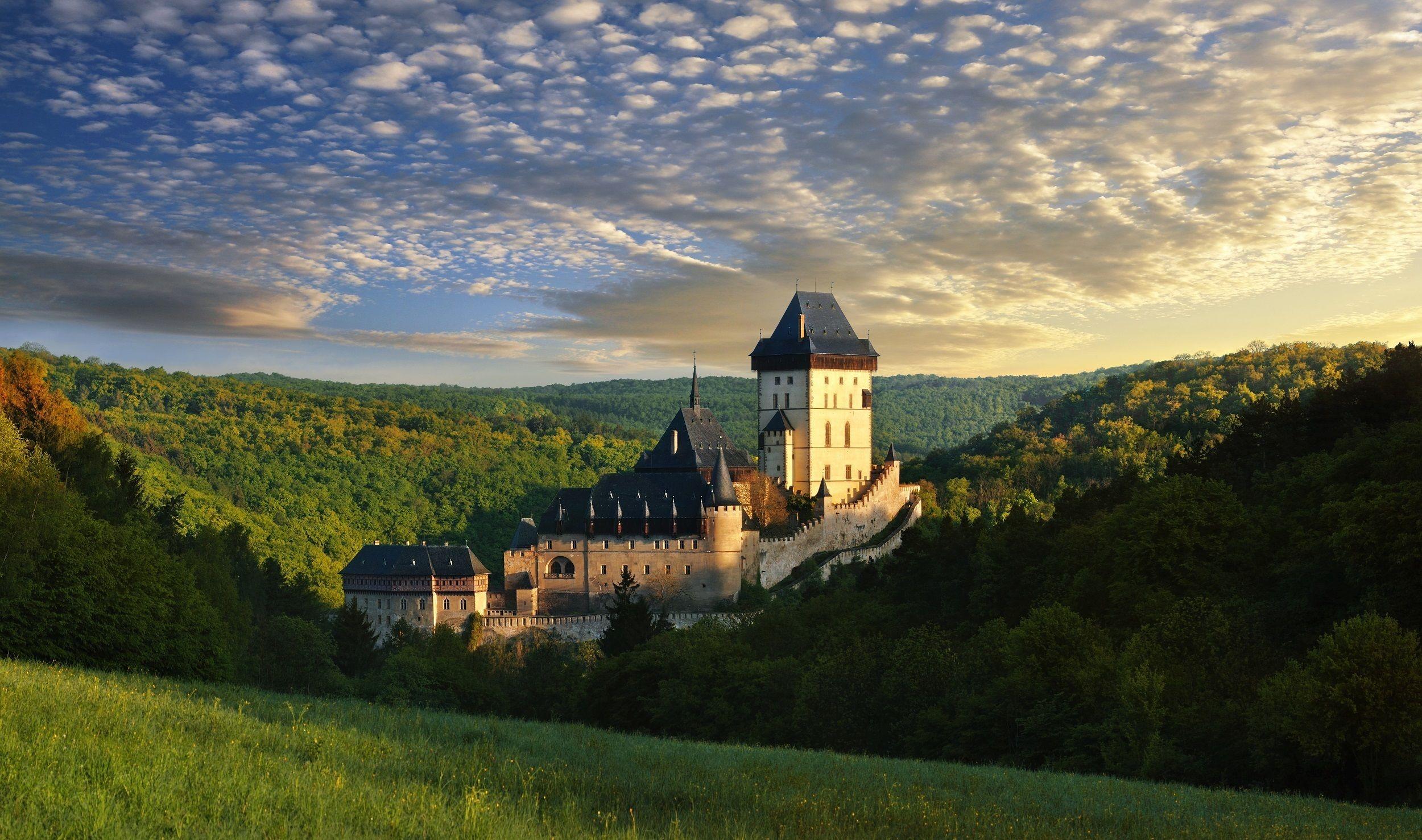 Bevorzugter Einlass zur Burg Karlštejn und geführte Tour