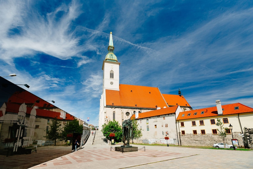 Bratislava: Day Trip from Vienna by Bus and Boat
