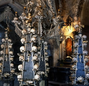 Kutná Hora Tour with Skip-the-Line Sedlec Ossuary Admission