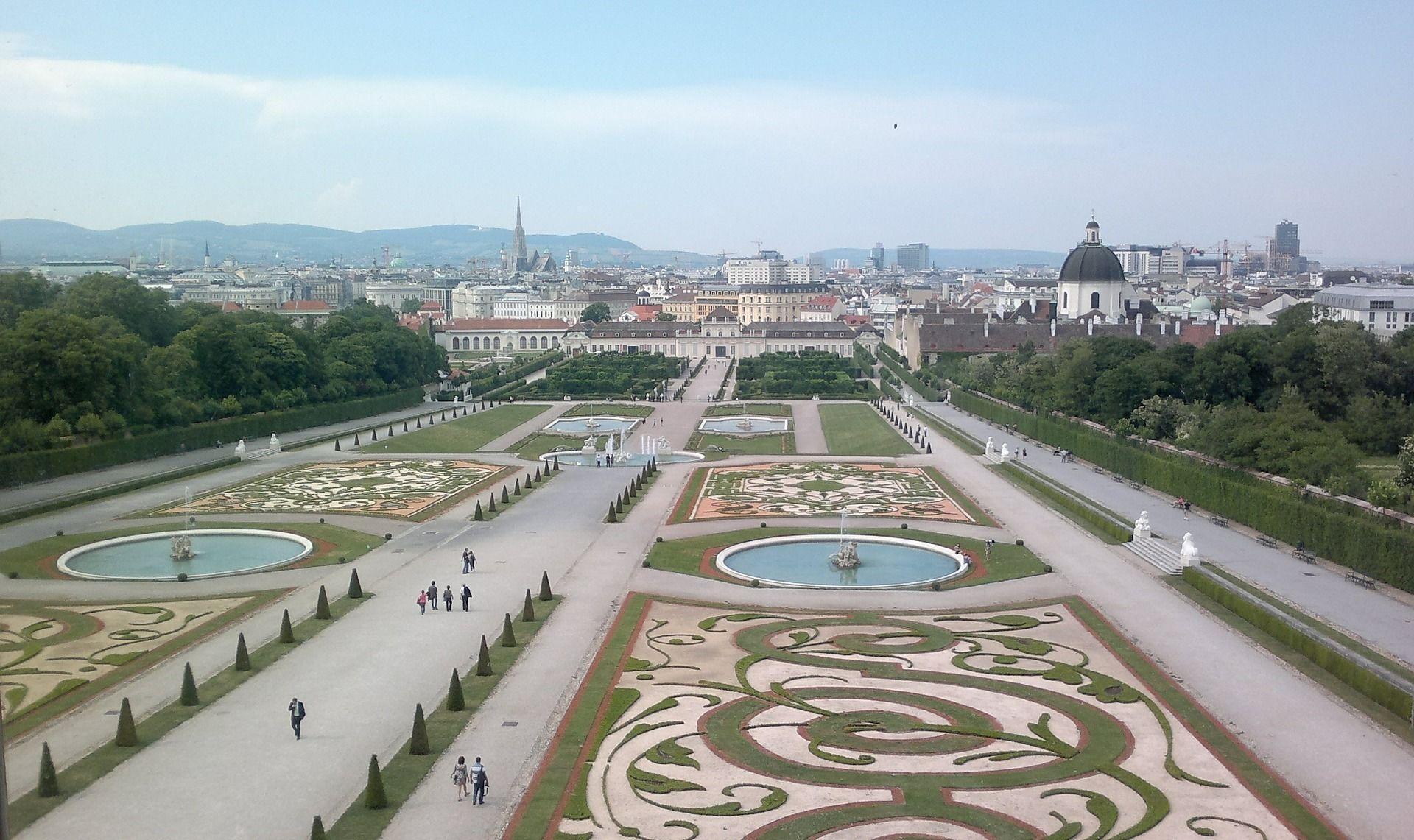 Day Trip to Vienna from Prague
