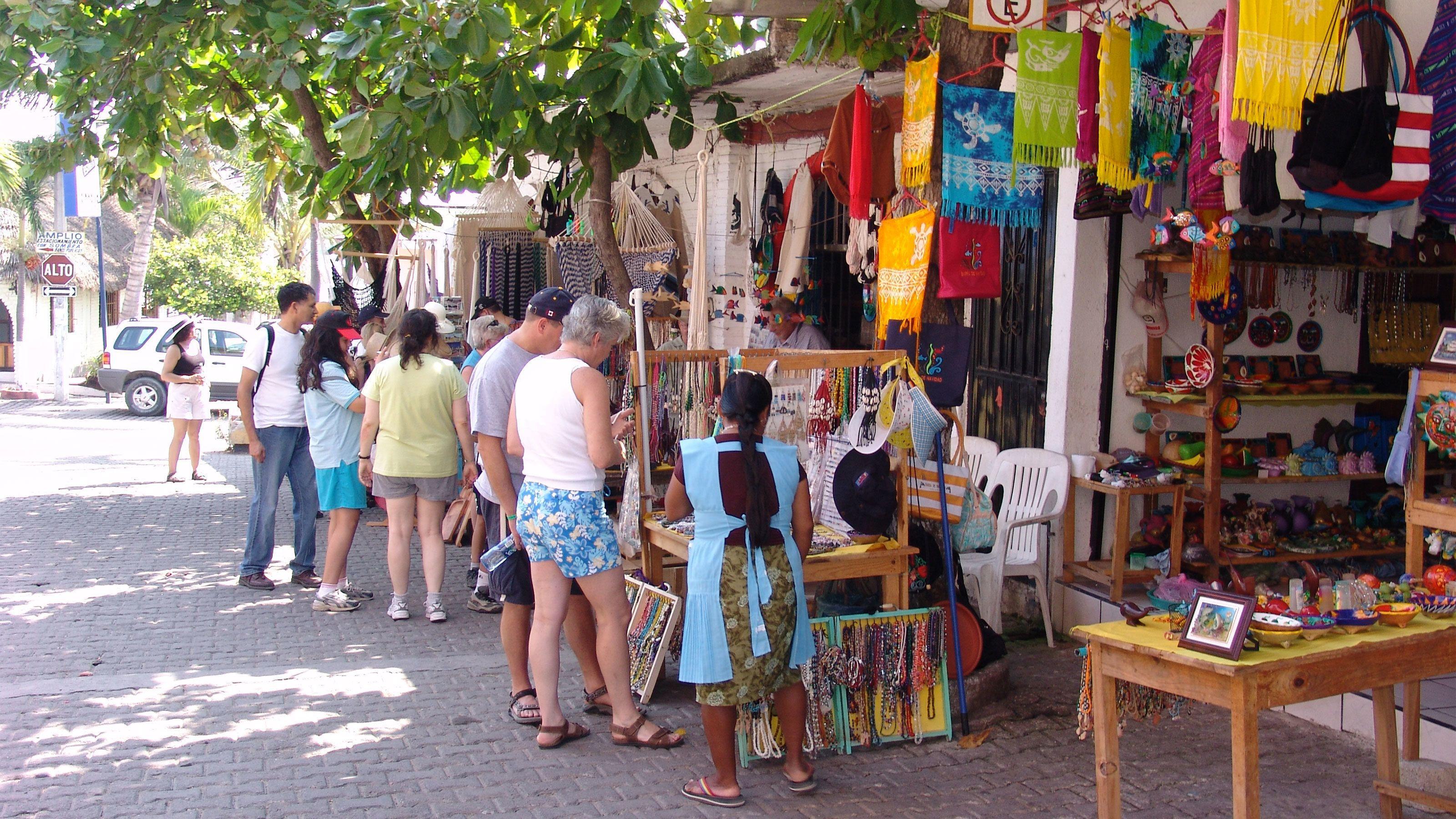 Open air craft market in Barra de Navidad