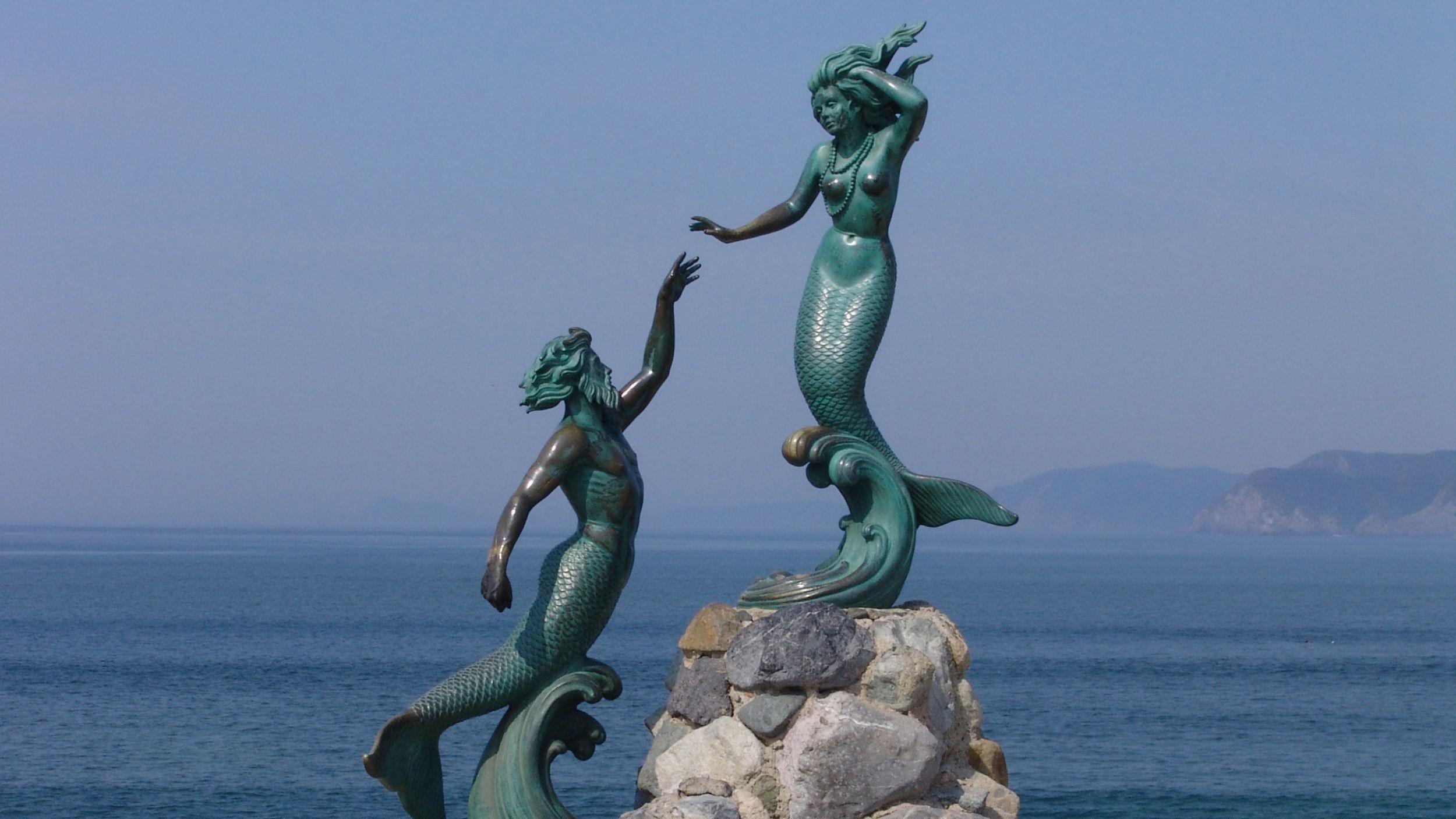 Mermaid statue in Barra de Navidad