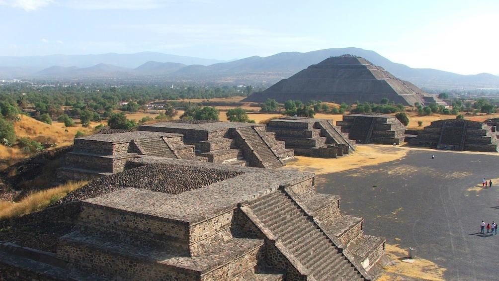 Show item 1 of 5. piramide del sol