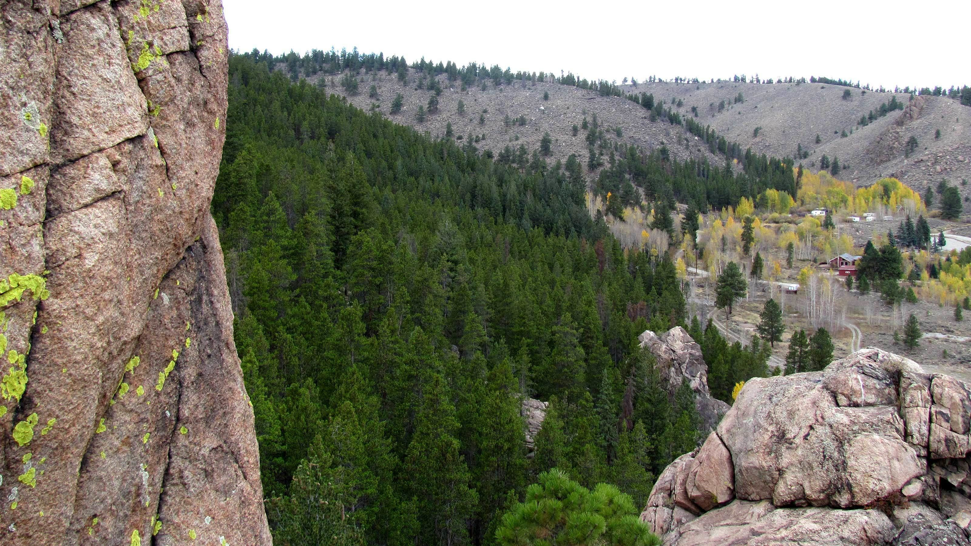 Rocky and wooded landscape in Denver
