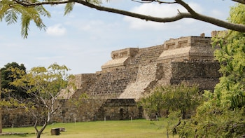Monte Alban Zapotec Ruins Tour