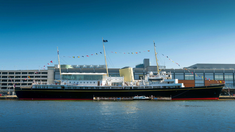 Lippu, jolla pääsee sisään jonottamatta Royal Yacht Britanniaan