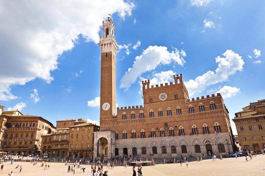 Foto 1 von 6 laden Siena & San Gimignano Tour with Chianti Wine Tasting