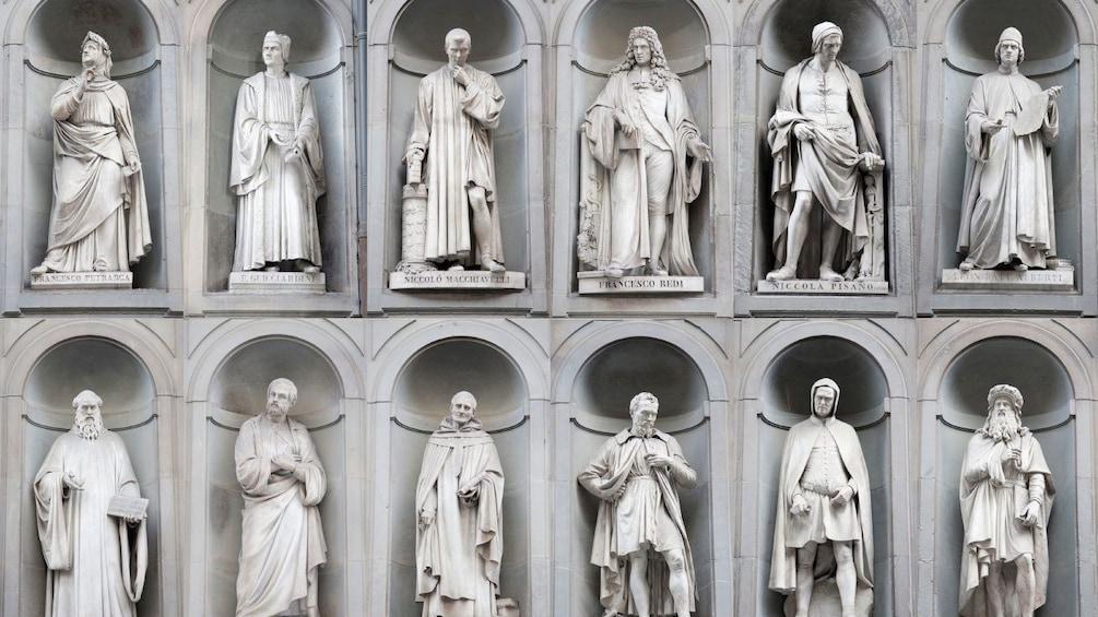 แสดงภาพที่ 2 จาก 8 Statues at Uffizi Gallery Guided Tour in Florence Italy