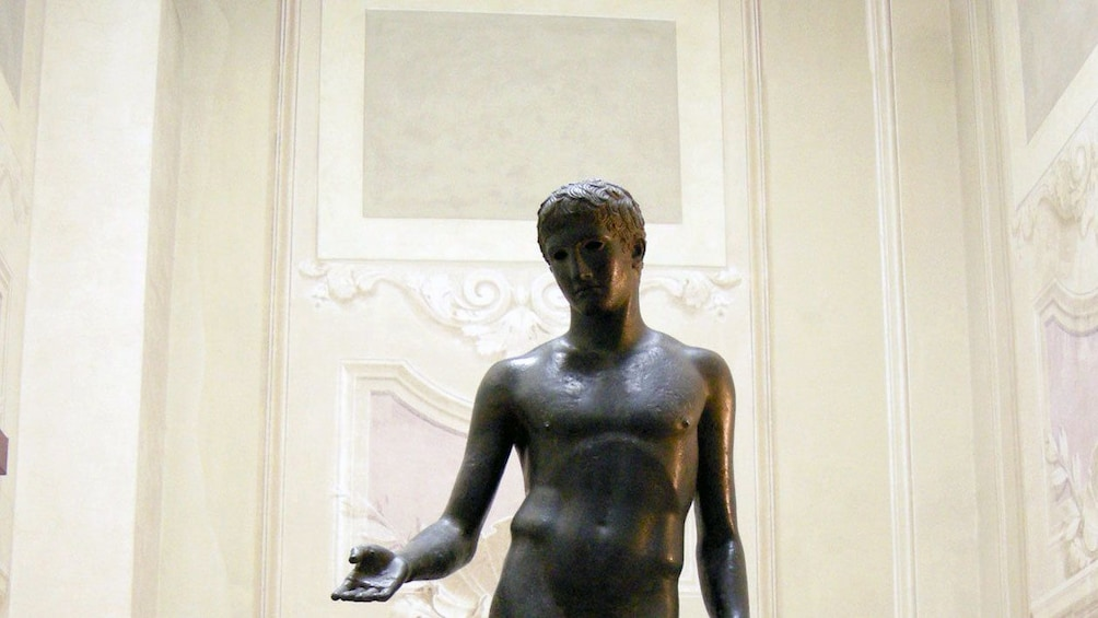 Apri foto 5 di 10. Statue at Archaeological Museum in Florence Italy