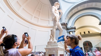 Florence in a Day: ComboSaver Tour with David, Uffizi, Duomo