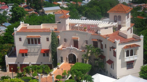 Exterior arial shot of the Ponce Museum of Art