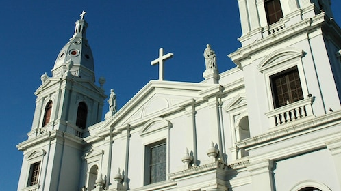 Exterior of church in the town square of Ponce