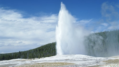 Gorgeous day view of Yellowstone National Park