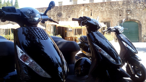 close up of Vespas for on Tuscany by Vespa tour in Italy