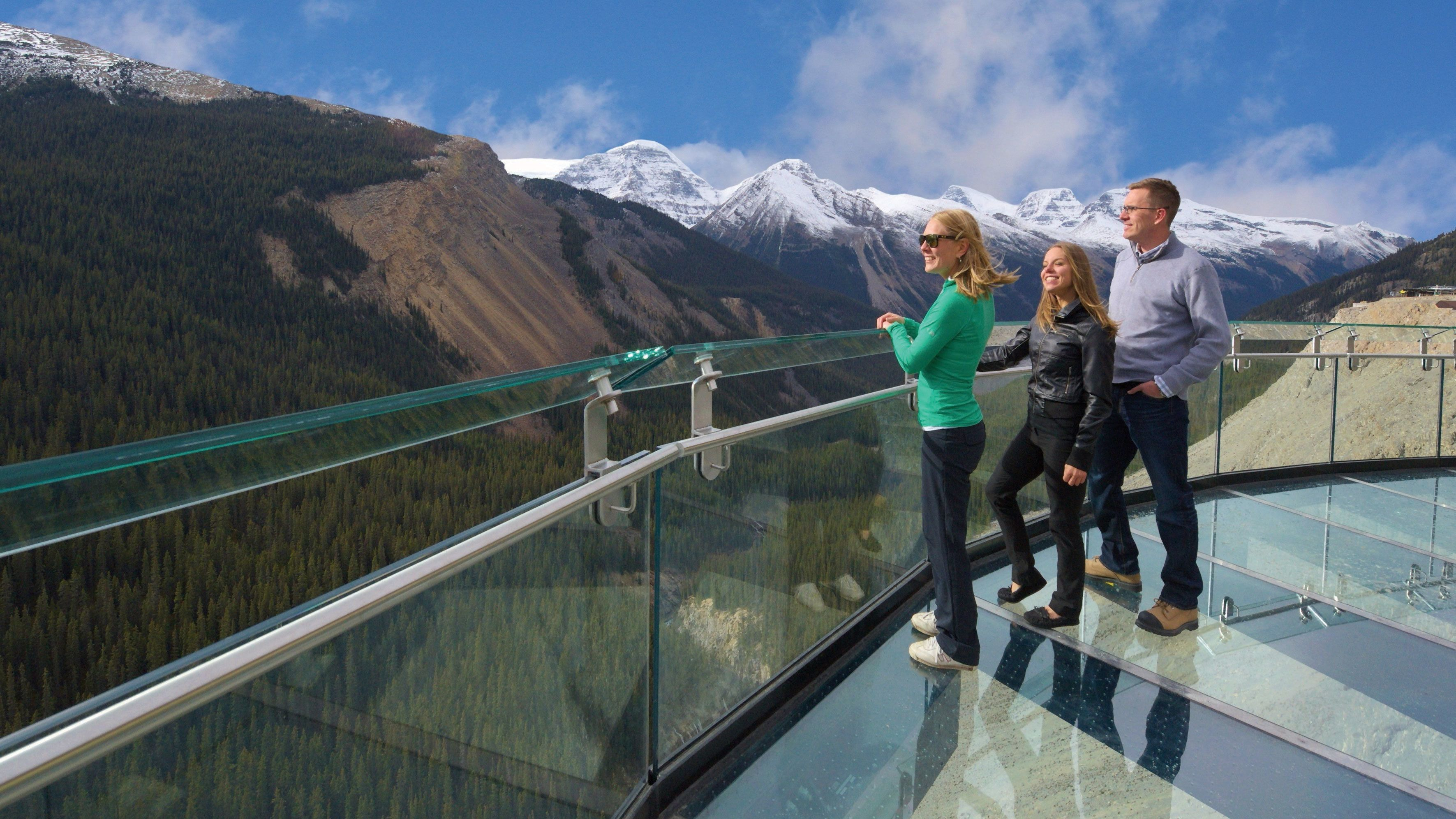 Enjoy the majestic views from the Glacier Skywalk