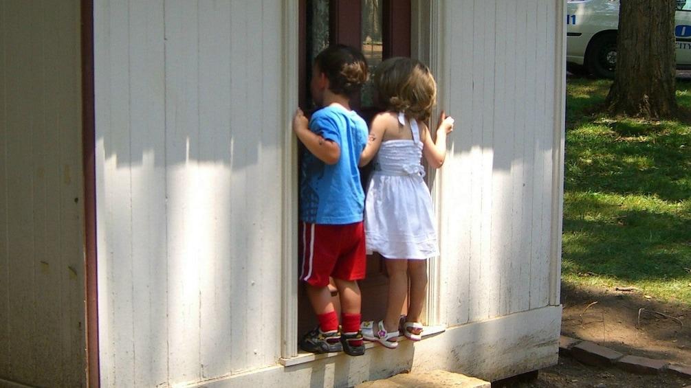 Show item 2 of 5. Visiting historic homes in Nashvile