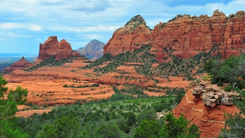Sedona, Jerome & Montezuma Castle Tour -departs 6:30-7:30 am
