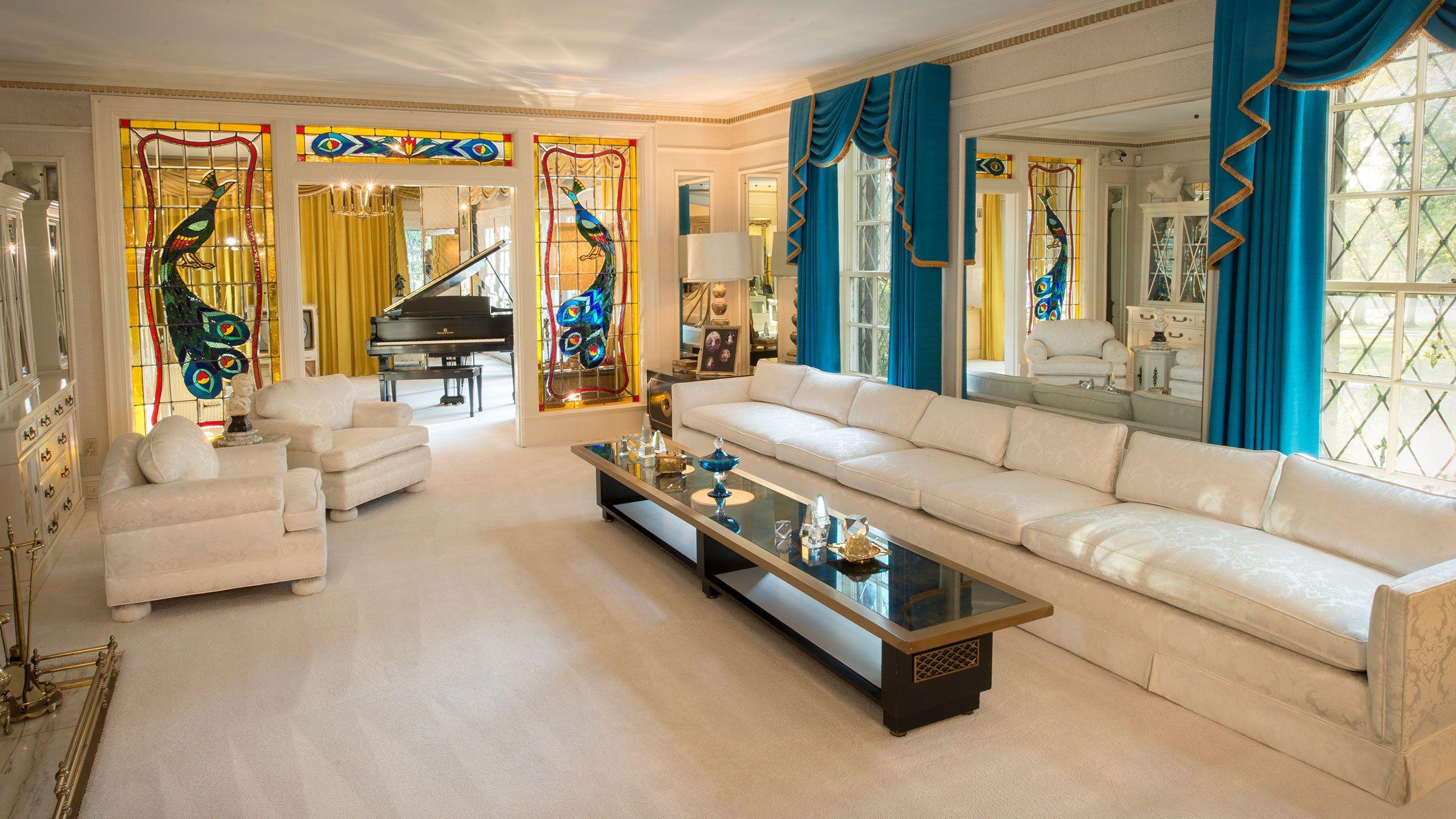 living room at graceland in memphis