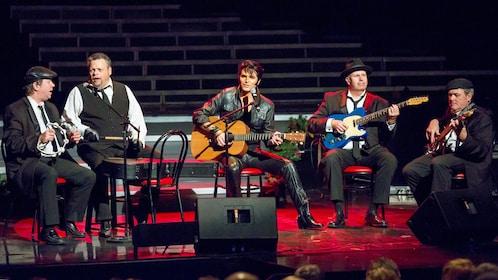 Elvis jam session on stage in Branson