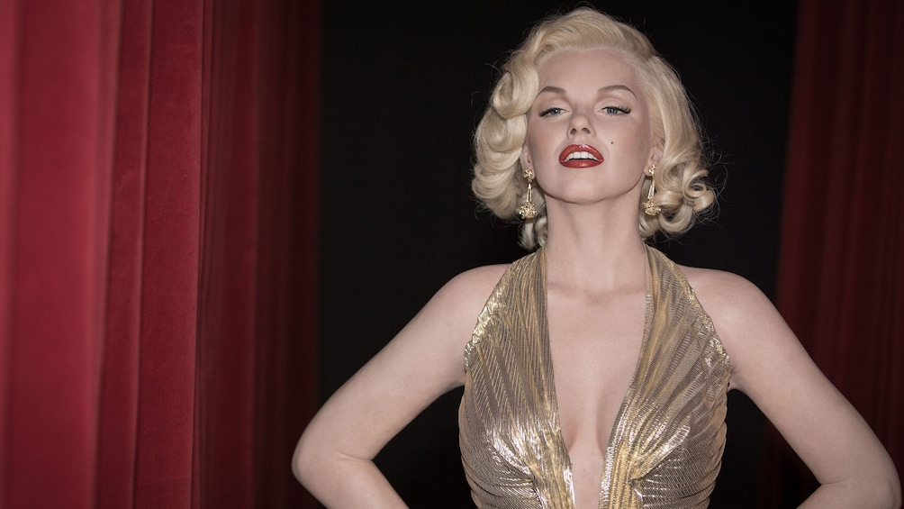 Apri foto 3 di 7. Wax figure of Marilyn Monroe