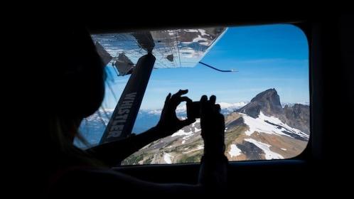 Expedia_Whistler flightseeing tour_1024x576.jpg
