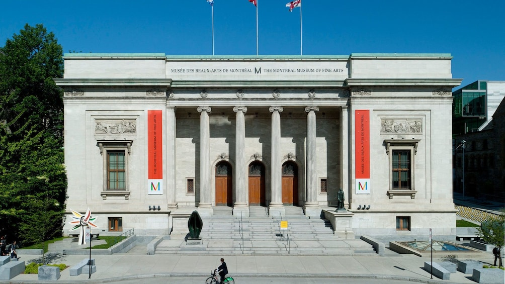 Apri foto 3 di 5. wide shot of the exterior of the Montreal Museum of Fine Arts
