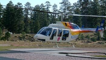 Helikopterflug über dem nördlichen Canyon