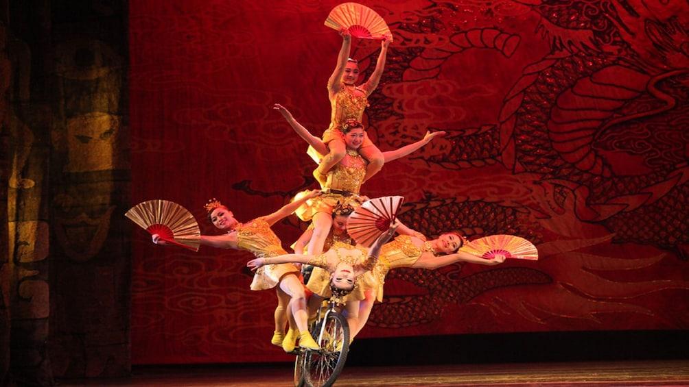 正在顯示第 4 張相片,共 10 張。 Beijing Acrobatic Night Show with Transfers