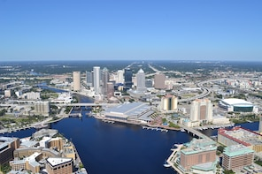 Downtown & Tampa Bay Helicopter Tour