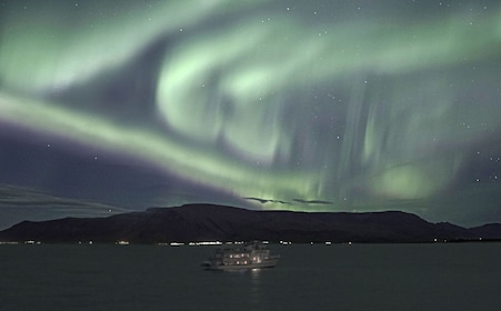 Special Tours - Northern Lights by Boat (36).jpg