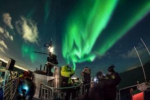 Noorderlichtcruise op de oceaan
