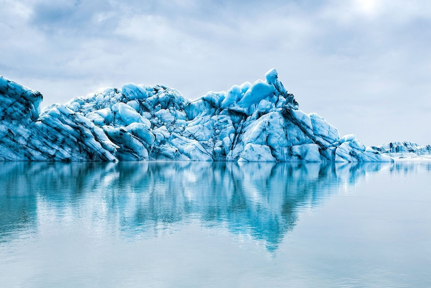 Charger l'élément 5 sur 9. South Coast Waterfalls & Jökulsárlón Glacial Lagoon Tour