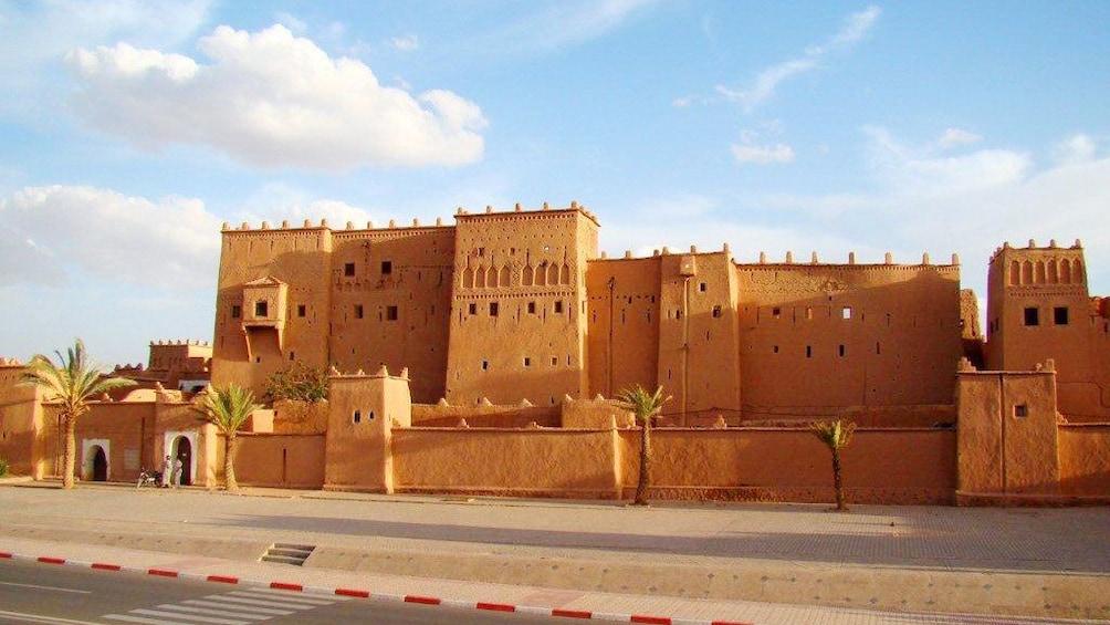 Charger l'élément 4 sur 7. Kasbah Taourirt in Ouarzazate