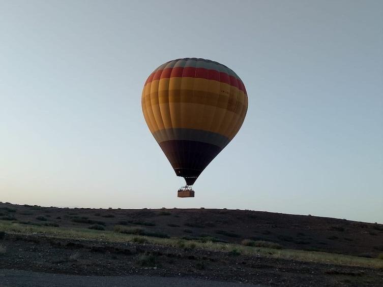 Charger l'élément 4 sur 4. Sunrise Hot Air Balloon Flight