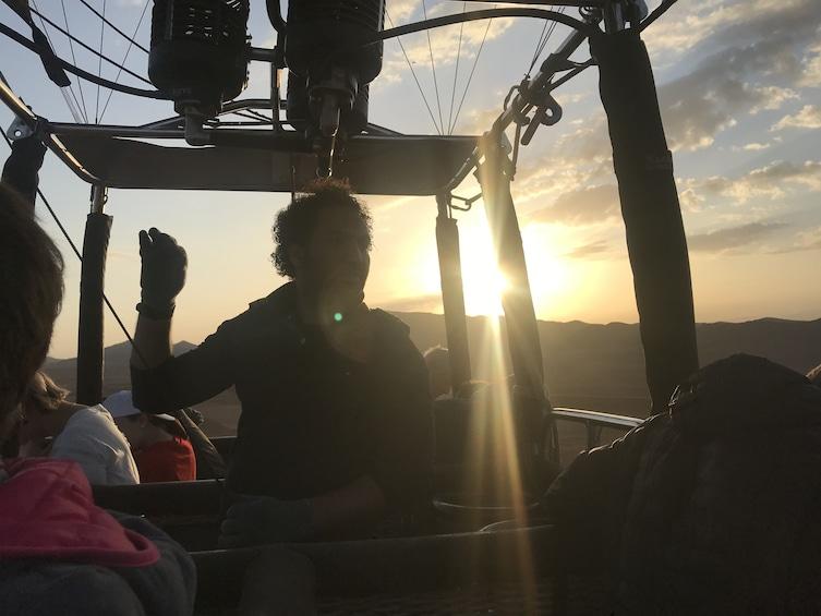 Charger l'élément 2 sur 4. Sunrise Hot Air Balloon Flight