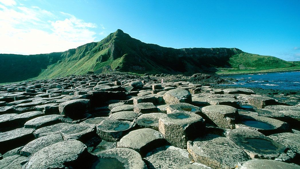 Giant's Causeway & Belfast Full-Day Tour