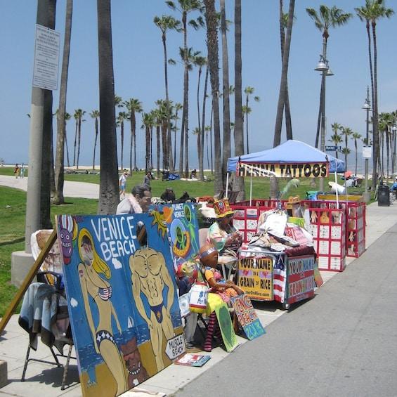 Carregar foto 3 de 10. Hop-On Hop-Off City Sightseeing Tour of Los Angeles