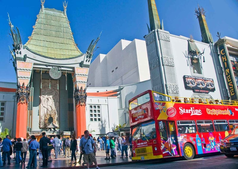 Carregar foto 2 de 10. Hop-On Hop-Off City Sightseeing Tour of Los Angeles
