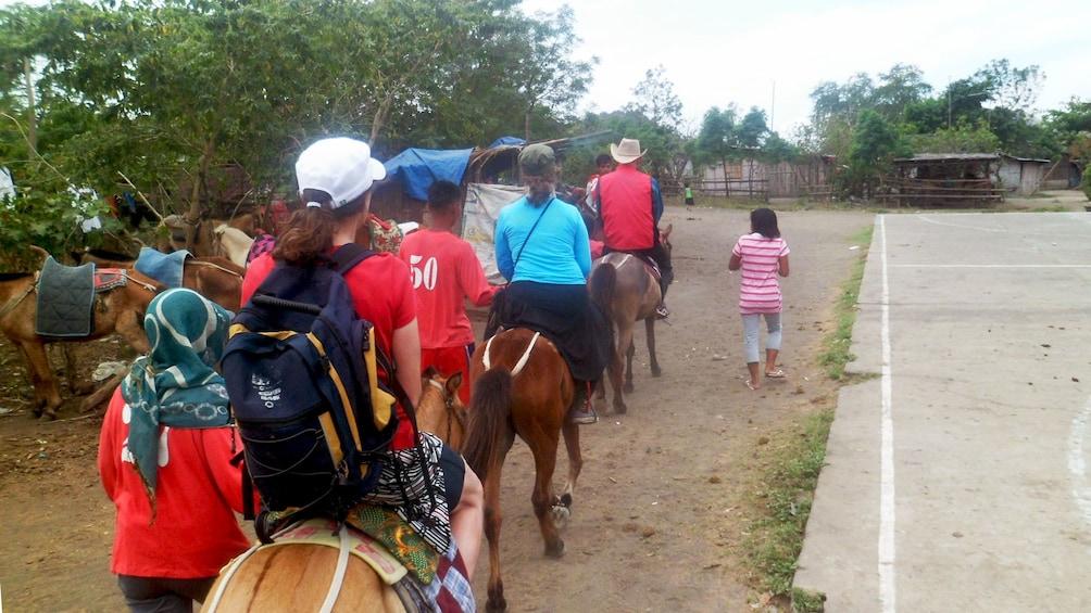 Horseback riding group in Manila