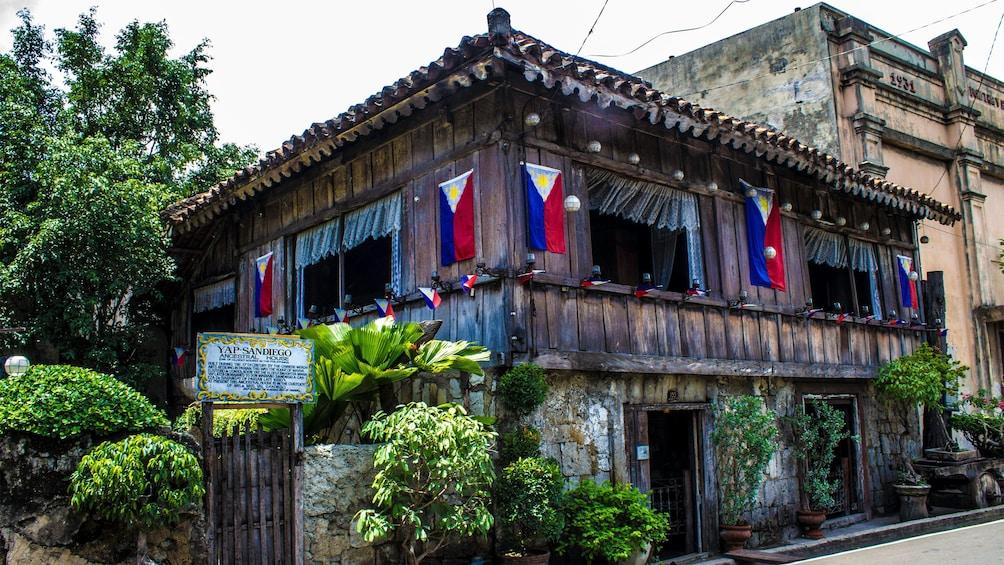 Foto 2 von 5 laden Historic building in Cebu
